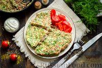 Фото к рецепту: Омлет с гречкой, сметаной и зеленью