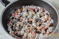 Фото приготовления рецепта: Мясные тефтели с сыром, в томатно-сметанном соусе с оливками - шаг №5