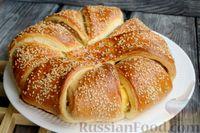Фото приготовления рецепта: Слоёный пирог с беконом и яично-сырной начинкой - шаг №15