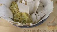 Фото приготовления рецепта: Пирог из лаваша с начинкой из мясного фарша и капусты - шаг №12