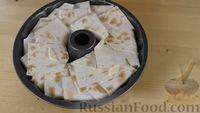 Фото приготовления рецепта: Пирог из лаваша с начинкой из мясного фарша и капусты - шаг №14