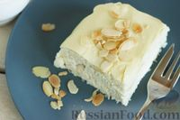 Фото приготовления рецепта: Творожно-кокосовый десерт со сгущёнкой, белым шоколадом и миндалём - шаг №13
