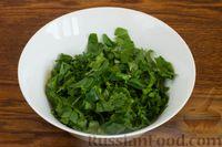 Фото приготовления рецепта: Суп с нутом, шпинатом и грибами - шаг №6