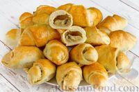 Фото к рецепту: Дрожжевые пирожки с картошкой и грибами