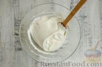 Фото приготовления рецепта: Профитроли со сливочно-творожным кремом - шаг №16