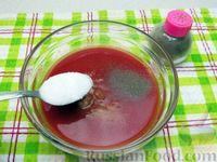 Фото приготовления рецепта: Куриные крылышки, тушенные  в томатном соусе - шаг №9