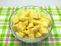 Фото приготовления рецепта: Картофельный суп с плавленым сыром - шаг №9
