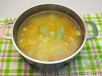Фото приготовления рецепта: Картофельный суп с плавленым сыром - шаг №13
