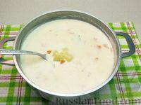 Фото приготовления рецепта: Картофельный суп с плавленым сыром - шаг №19