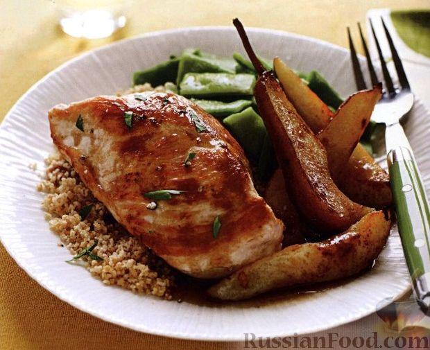 Рецепт Жареное куриное филе с кус-кусом, фасолью и грушами в соусе