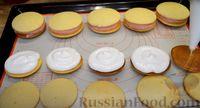 Фото приготовления рецепта: Бисквитное печенье-сэндвич с клубничной и сахарной начинкой - шаг №14