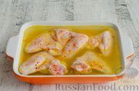 Фото приготовления рецепта: Куриные крылышки, запечённые с булгуром - шаг №8