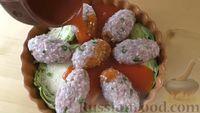 Фото приготовления рецепта: Капустная запеканка с котлетами из мясного фарша и риса, или Ленивые голубцы - шаг №9