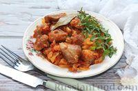 Фото приготовления рецепта: Молодая капуста, тушенная со свининой - шаг №16