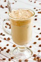Фото приготовления рецепта: Взбитый кофе с молоком - шаг №9