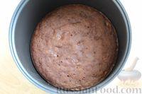 Фото приготовления рецепта: Шоколадный манник с орехами (в мультиварке) - шаг №10