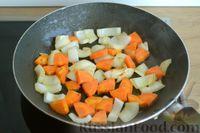 Фото приготовления рецепта: Рагу с курицей, баклажанами, картошкой и болгарским перцем - шаг №11