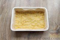 Фото приготовления рецепта: Песочное печенье с вишней, овсяными хлопьями, миндалём и шоколадом - шаг №11
