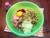 Фото приготовления рецепта: Мясные котлеты с овсяными хлопьями и соевым соусом - шаг №4
