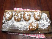 Фото приготовления рецепта: Мясные котлеты с овсяными хлопьями и соевым соусом - шаг №6