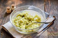 Фото приготовления рецепта: Куриные котлеты с брокколи - шаг №7
