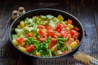 Фото приготовления рецепта: Овощное рагу с курицей, картофелем, кабачками и стручковой фасолью - шаг №8
