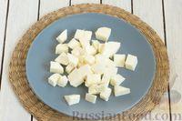 Фото приготовления рецепта: Овощной суп с цветной капустой, стручковой фасолью и адыгейским сыром - шаг №10