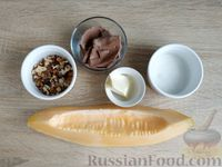 Фото приготовления рецепта: Жареная дыня с шоколадом и грецкими орехами - шаг №1
