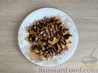 Фото приготовления рецепта: Жареная дыня с шоколадом и грецкими орехами - шаг №10