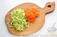 Фото приготовления рецепта: Перец, фаршированный кабачками, тушенный со сметаной и зеленью - шаг №3