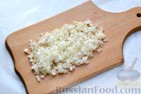 Фото приготовления рецепта: Перец, фаршированный кабачками, тушенный со сметаной и зеленью - шаг №4