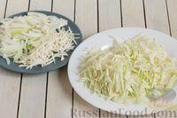 """Фото приготовления рецепта: Щи """"Монастырские"""" со свежей капустой и грибами - шаг №6"""