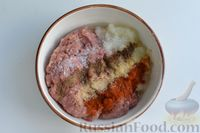 Фото приготовления рецепта: Кабачки с помидорами и фаршем, запеченные со сметаной и кетчупом - шаг №3