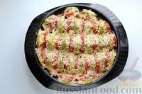 Фото приготовления рецепта: Кабачки с помидорами и фаршем, запеченные со сметаной и кетчупом - шаг №13