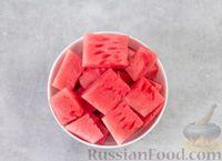 Фото приготовления рецепта: Арбузный гаспачо с овощами, лаймом и имбирем - шаг №2