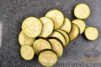 Фото приготовления рецепта: Борщ с черносливом и баклажанами - шаг №7