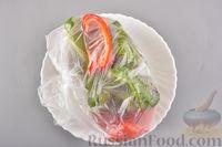 Фото приготовления рецепта: Яичный рулет с творогом и начинкой из сладкого перца - шаг №3