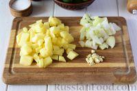 Фото приготовления рецепта: Крем-суп из свежих огурцов и картофеля - шаг №2