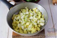 Фото приготовления рецепта: Крем-суп из свежих огурцов и картофеля - шаг №4