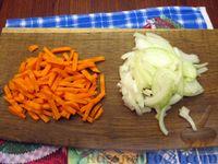 Фото приготовления рецепта: Куриный суп с шампиньонами и баклажанами - шаг №10