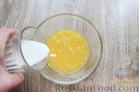 Фото приготовления рецепта: Дрожжевые пирожки с лисичками, яйцами и зелёным луком (в духовке) - шаг №12