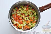 Фото приготовления рецепта: Суп с куриными фрикадельками, кабачками и вермишелью - шаг №8