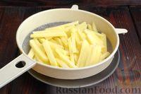 Фото приготовления рецепта: Картошка, жаренная со сладким перцем - шаг №4