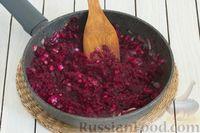 Фото приготовления рецепта: Закусочный свекольный манник с сыром - шаг №8