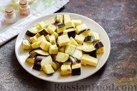 Фото приготовления рецепта: Куриное филе, тушенное с баклажанами и помидорами - шаг №3