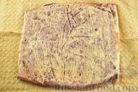 Фото приготовления рецепта: Двухцветный рулет с шоколадом - шаг №9