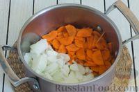 Фото приготовления рецепта: Овощное рагу с  кабачками, сладким перцем, белокочанной и цветной капустой - шаг №2
