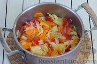 Фото приготовления рецепта: Овощное рагу с  кабачками, сладким перцем, белокочанной и цветной капустой - шаг №5