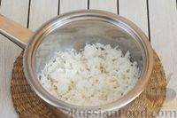 Фото приготовления рецепта: Салат из свёклы, моркови, риса и консервированного зелёного горошка - шаг №3