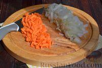 Фото приготовления рецепта: Куриный суп с помидорами и рисом - шаг №4